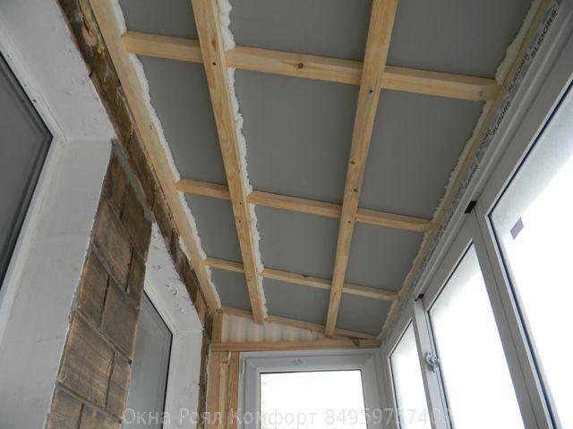 Остекление балконов с крышей: умное решение для последнего э.