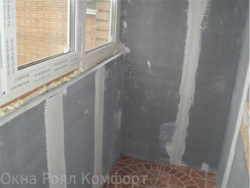 Внутренняя отделка балконов пластиковыми панелями.
