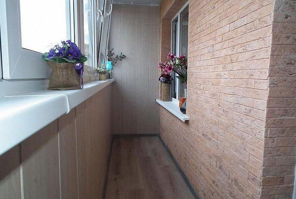 использовать как покрасить кирпичную стену на балконе фото считается